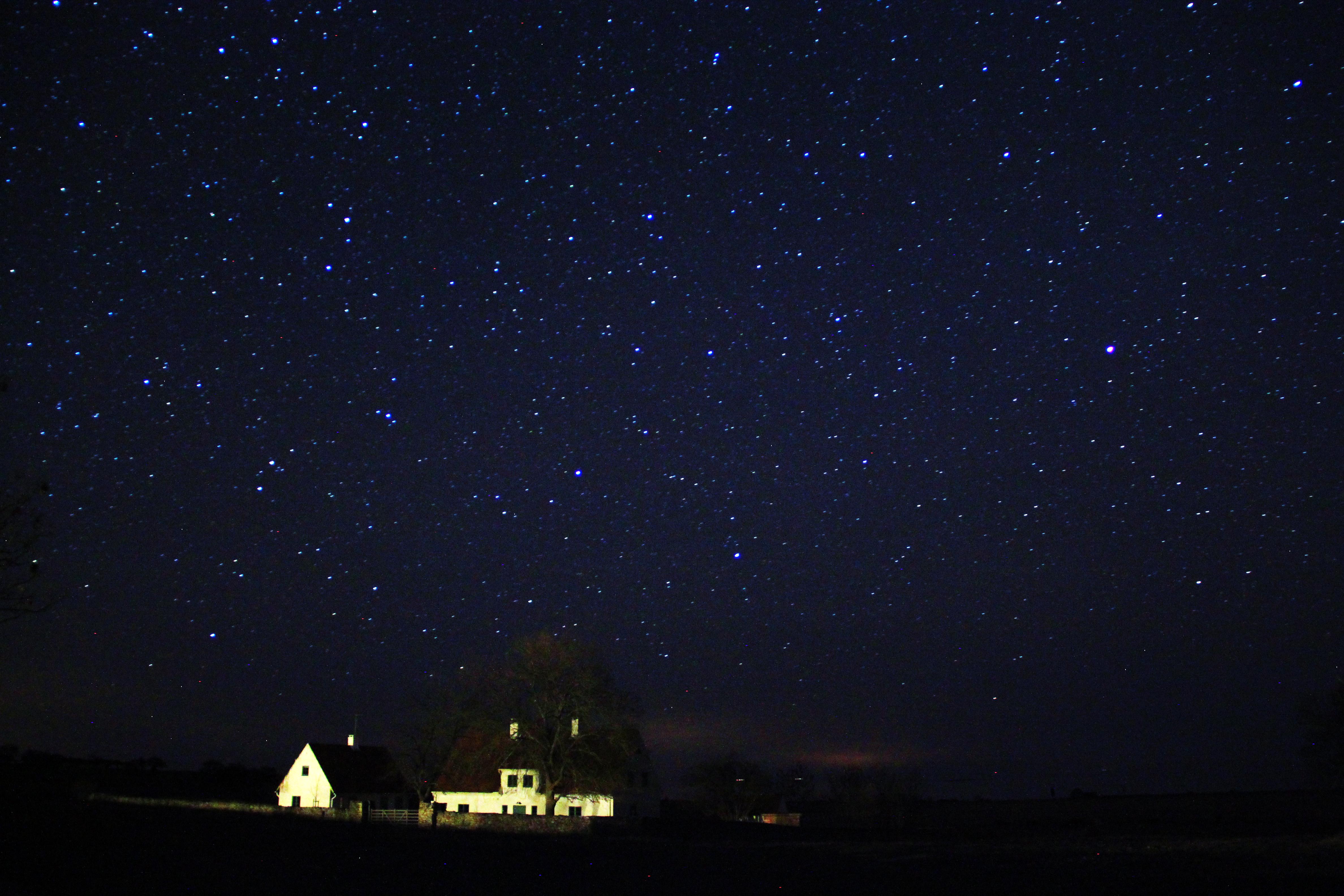 langit penuh bintang